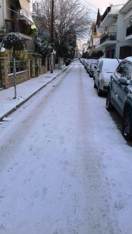 Κυριακή 8 Ιανουαρίου, δρόμος στη Λάρισα